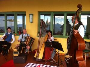 Musik auf dem 1614 m hohen Predigtstuhl  ©Ria Hinken