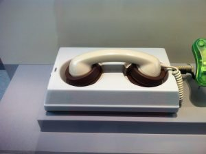 Die #Lochkartengeneration kennt das noch. Ein Modem oder auch Akustikkoppler genannt. Foto: Ria Hinken