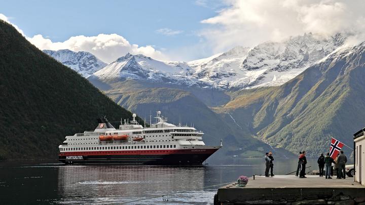 """Die """"MS Nordkapp"""" wurde nach dem Höhepunkt der Reise benannt: dem nördlichsten Punkt des europäischen Festlandes (71°N) Copyright: ZDF/MS Nordkapp"""