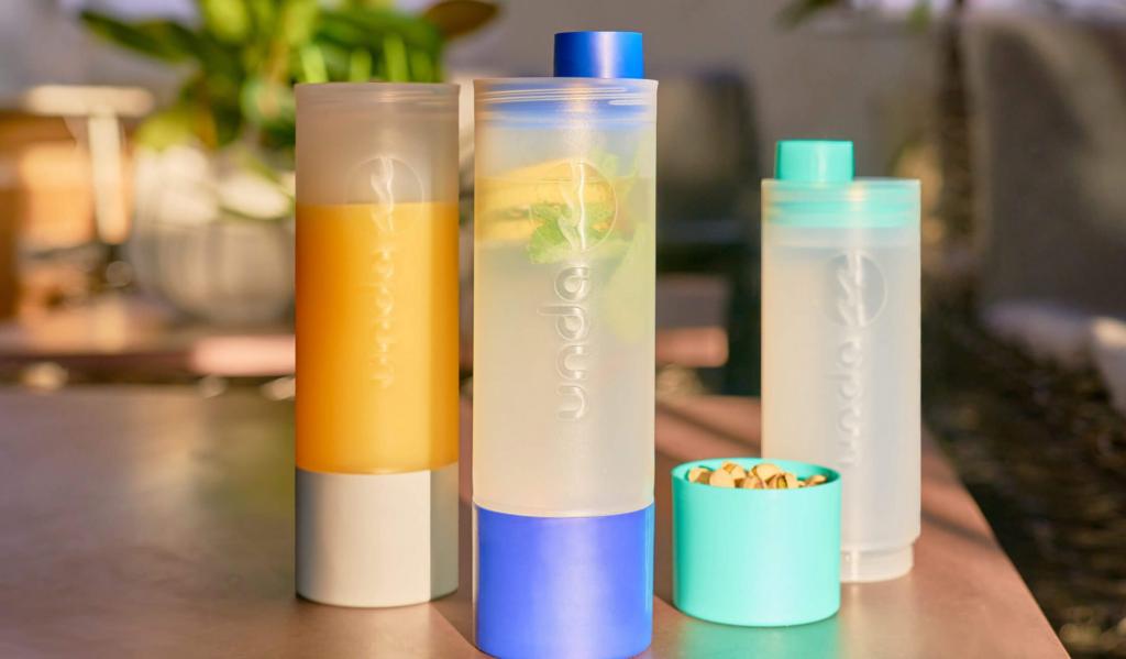 Screenshot von der Website. Die Meerflaschen im schicken Design